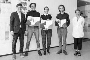 v.l.n.r.: Gerhard G. Feldmeyer (HPP), Jonas Illigmann (UdK Berlin), Luise von Zimmermann (UdK Berlin), Matti Hänsch (Leibniz Universität Hannover), Prof. Barbara Holzer (Juryvorsitzende)