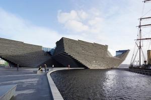 Schiff, Stein, Wellenberg: das V&A in Dundee spielt auf vielen Assoziationsfeldern (rechts: die RRS Discovery)