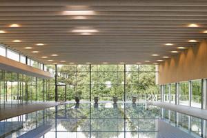 Bodentiefe Fenster bieten erste Einblicke in die Schwimmhallte<br />