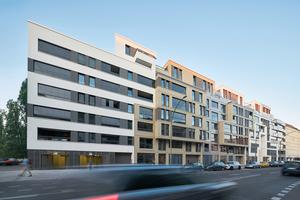 An der Chausseestraße in Berlin ist ein Quartier mit 161 Miet- und 115 Eigentumswohnungen mit gut durchdachten individuellen Grundrissen entstanden. Es wurden allein 50 unterschiedliche Badezimmer geplant