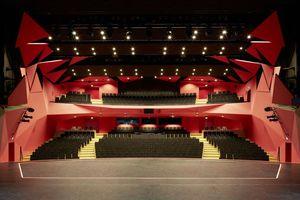 Dresden hat mehrere Theater an einem neuen Standort zusammengeführt und dabei in puncto Stadtentwicklung, Bürgerbeteiligung und Kosteneffizienz neue Lösungen gezeigt