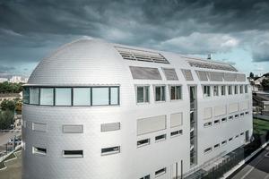 Entstanden ist ein futuristisch angehauchtes Gebäude mit abgerundeten Ecken