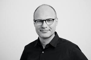 """<p><span class=""""kastentext_hervorgehoben"""">Prof. Dr.-Ing. Harald Kloft </span>ist Mitgründer von osd – office for structural design und ist seit 2011 Professor für Tragwerksentwurf an der TU Braunschweig.</p><p><span class=""""kastentext_hervorgehoben""""><a href=""""http://www.o-s-d.com"""" target=""""_blank"""">www.o-s-d.com</a></span>, <span class=""""kastentext_hervorgehoben""""><a href=""""http://www.ite.tu-bs.de"""" target=""""_blank"""">www.ite.tu-bs.de</a> </span></p>"""