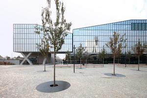 Südlich des Prada-Geländes in Mailand ein Bürokomplex mit Spiegeleffekten