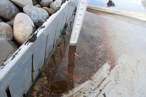Bild3: Wasserpfütze auf der Metalldeckung