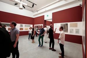 """Giardini, Zentralpavillon: Robert McCarters """"Freespace in place - Four unrealized modern architectural designs for Venice"""" erscheint wie das Äquivalent zu """"Unbuilt"""". Hier werden vier unrealisierte Architekturentwürfe gezeigt und zwar von Frank Lloyd Wright, Le Corbusier, Louis Kahn und Isamu Noguchi"""