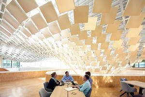 Philips Lighting Headquarters, Eindhoven: Deckenelemente reagieren auf Nutzer und Tageszeiten