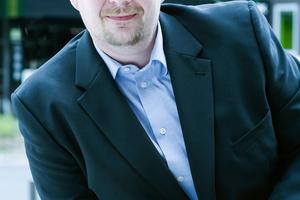 """Dominik Halmist CEO von RUHRSOURCE GmbH<a href=""""http://www.ruhrsource.com"""" target=""""_blank"""">www.ruhrsource.com</a>"""