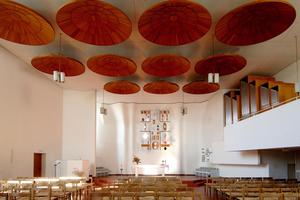 Alvar Aaltos Innenraum der Stephanuskirche in Detmerode. Sie wurde 1968 geweiht und feierte vor wenigen Wochen ihr 50jähriges Jubiläum