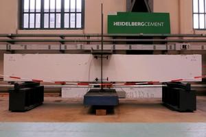 Abb. 3: (e) Durchbiegungsversuche an der TU Berlin