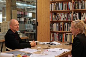 Dass Schweizer Architekten einen<br />ganz eigenen Blick auf Beton in der<br />Architektur haben, davon konnten wir uns im längeren Gespräch mit Andreas Bründler überzeugen