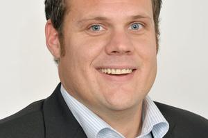 """Tim Otterpohl ist Kälteanlagenbauermeister und Vertriebsingenieur für Klimatechnik bei Mitsubishi Electric Living Environment Systems und hat bei der Planung der technischen Anlagen an der Hochschule Ruhr West mitgewirkt<a href=""""http://www.mitsubishielectric.de"""" target=""""_blank"""">www.mitsubishielectric.de</a>"""