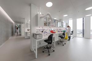 Moderne Labore mit flexibler Plug-and-Play-Funktion, in denen Forschung auf höchstem Niveau möglich ist, sollen die Verbindung der Hochschule zu privaten Unternehmen stärken