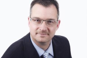 """Bert Barkhausen ist seit 2007 Produktmanager bei der JET-Gruppe und Experte für das Tageslicht-, RWA- und Arbeitssicherheitssortiment<a href=""""http://www.jet-gruppe.de"""" target=""""_blank"""">www.jet-gruppe.de</a>"""
