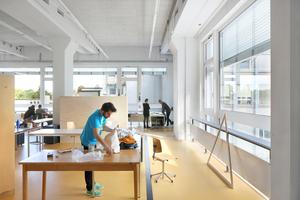 Die vorgefundene Struktur mit weit gespannten, dünnen Rippendecken und großen Raumhöhen ermöglichte es, wirklich große Studienbereiche zu schaffen und dabei die Qualität der Industriearchitektur zu erhalten