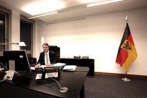 Allen Titelnotizen zum Trotz: Baustaatssekretär Gunther Adler arbeitet noch (aber sicher nicht für immer) im Bundesinnenministerium<br />