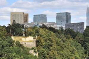 Ganz links die Türme der EuGH-Rechtsprechung, auf dem Kirchberg <br />in Luxemburg ... dort soll es sich entscheiden!