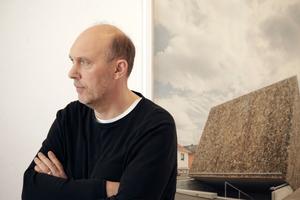 """Peter Haimerl in """"seiner Ausstellung"""" im Bielefelder Kunstverein"""