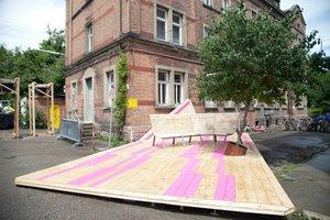 2012 fand das Architekturfestival in Stuttgart statt. Das hier ist der 1. Preis – Toy Parking von Team Tuftler