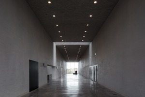Für Außen und Innen wählten KAAN Architecten Béton Brut