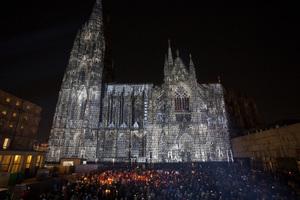 1. Preis Lichtkunst: DONA NOBIS PACEM am Kölner Dom /  Lichtplanung: Detlef Hartung, Georg Trenz, Helmut M. Bien