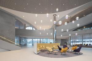 1. Preis Öffentliche Bereiche/Innenraum: Merck Innovation Center /  Lichtplanung: Lumen³
