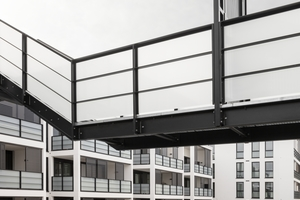"""<irspacing style=""""letter-spacing: -0.01em;"""">Die Wohnungen werden über drei schma-le Treppenhäuser vom Innenhof aus erschlossen, </irspacing>weil der Bauherr möglichst viel Platz für die kleinen Gewerbeeinheiten an der Straße wünschte"""