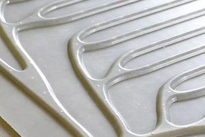 """Bei dem solarthermischen Fassadenelement """"TABSOLAR"""" sorgen die bionischen Kanalstrukturen für eine optimale Verteilung des Wärmeübertragerfluids"""