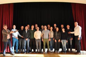 FH Münster und Hochschule Biberach bieten gemeinsam den Master-Studiengang Gebäudeautomation an. Auf der Bühne steht der dritte Jahrgang, der jetzt ins Studium gestartet ist