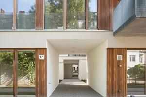 Blick in ein Atrium: Die Innenhöfe sorgen für eine gute Belichtung der Wohnräume