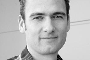 Stefan Hückstädt ist Vorstandsmitglied im Fachverband für Luftdichtung im Bauwesen (FLiB e.V), hat Zimmerer gelernt und an der Hochschule Rosenheim diplomiert. Im Rahmen der pro clima Wissenswerkstatt vermittelt er Wissenswertes zum Thema Luftdichtheit auch schon mal bei einem BauSlam Wettbewerb.www.proclima.de