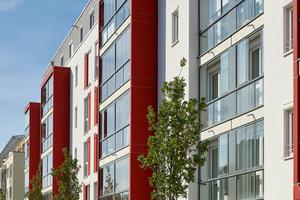 Schallschutz-Erker und Loggien-Verglasungen bilden ein harmonisches Gesamtbild (Kirschgalerien, München – Cleres + Haller Architekten, München )
