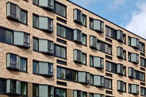Pixelfenster erreichen eine Pegelminderung von bis zu 30dB (Barmbeker Straße, Hamburg – SHE Architekten & planwerkeins)