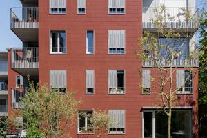 Auf dem ehemaligen Industrieareal des Clouth-Geländes in Köln fand die Baugruppe E+ ihr Grundstück. 17 Wohnparteien planten gemeinsam mit Architekt Klaus Zeller die Gebäude