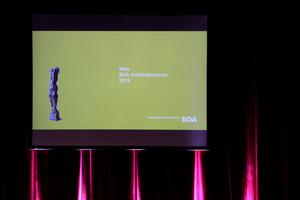 Keyvisual Nike: eine Plastik des Bildhauers Wieland Förster