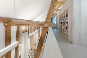 Für die Sanierung wurde jeder Balken der Holzkonstruktion kartiert und demontiert, um später, von Schädlingen befreit und auf die zukünftige Nutzung eingestellt, wieder eingebaut zu werden