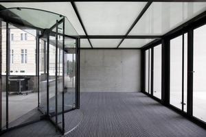 Windfang vor dem oberen Foyer