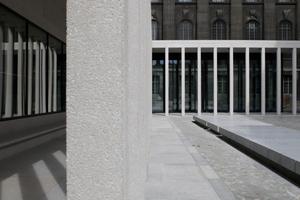 Blick vom Hof auf das Pergamonmuseum