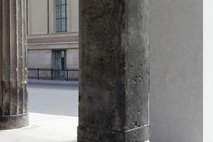 Hier soll die Inspiration gelegen haben: die alte Kolonnade des Neuen Museum wird über die neue fortgesetzt in den Hof und oben auf dem Sockelbau