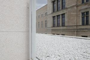 Hier beide Giebelseiten der Westfassade des Neuen Museum