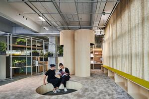 Raum für Inspiration gibt es in der Ruhezone, in der auch eine Bibliothek angesiedelt ist.