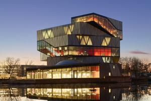 Das experimenta Gebäude ist das erste Großprojekt, bei dem Sauerbruch Hutton und schlaich bergermann partner kooperierten
