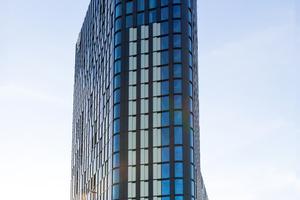 Überlegungen, den Stahlbetonskeletbau mit einem Drittel recycelten Beton des Shell-Turms im Zentrum von Amsterdam zu fertigen oder ein unterirdischer Wärmetank, konnten realisiert werden