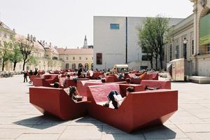 Die Enzis im MuseumsQuartier von Wien von PPAG