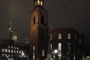 Die Paulskirche: Denkmal und – gegenüber der Neuen Altstadt – ein authentischer Ort