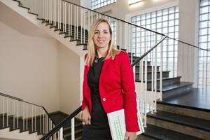 """Prof. Dr. Natalie Eßig erhält B.A.U.M.-Preis für Nachhaltigkeit in der Kategorie """"Wissenschaft"""""""