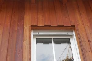 01 Fassade mit einer Holzschalung