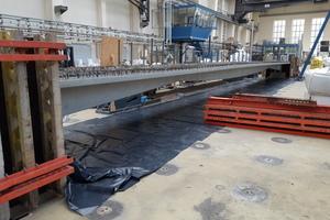 09 Versuchsaufbau der Carbonbetonbrücke