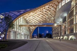 Das Hauptquartier von Swatch vom japanischen Architekten Shigeru Ban ist diese Tage eingeweiht worden
