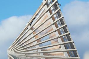 Trotz der vermeintlichen Einfachheit des Gebäudes waren die einfach gekrümmten Fachwerkträger, aus denen die doppelgekrümmten Dach- und Fassadenflächen entstehen, eine komplexe Planungs- und Produktionsaufgabe. Höhe und Spannweiten brachten besondere Anforderungen an das Tragwerk